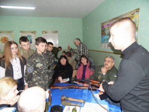 Учасник АТО Демченко Ярослав інструктує
