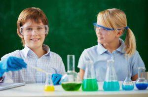 schoolchildren-protecting-their-eyes-lab_i_новый размер