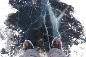 обережно на льоду