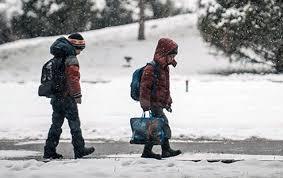 діти замети сніг